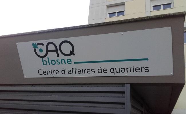 Devanture du centre d'affaires du quartier du Blosne à Rennes