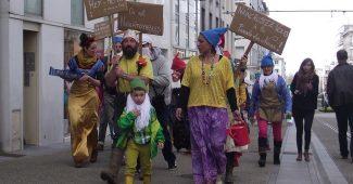 Défilé au festival Nainportequoi