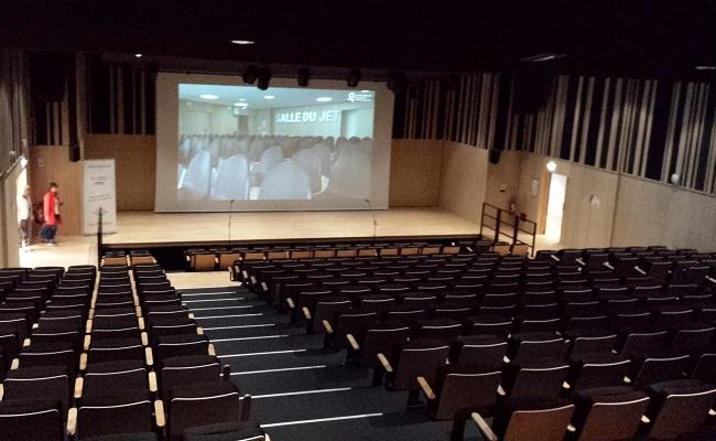 L'auditorium du centre de congrès du Chapeau Rouge de Quimper